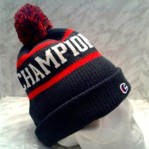Champion Cuffed Toque pom Knit Hat cap Beanie
